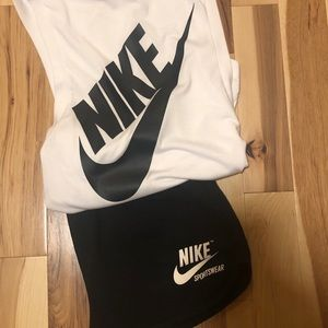 Women's Nike outfit.